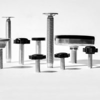Emuca Nivellierfuß für Möbel, sechseckiger Fußteller, M6, H. 30 mm, Stahl und Kunststoff, 20 St.