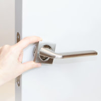 Emuca Türgriffe für Innentüren, mit Rosetten 50x50 mm, aluminium und zamak, satiniertes Nickel, 1 st.